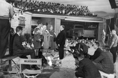 Tippi Hedren, Rod Taylor, Alfred Hitchcock - THE BIRDS (1963)